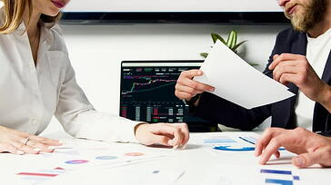 Measuring corporate reputation based on shareholder value